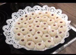 Evde Lokum Tatlısı Yapımı - Tatlı Tarifleri - hindistan cevizli tatlı lokum yapımı videolu tatlı tarifi