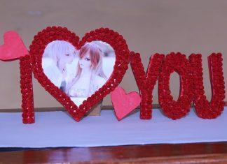 Kalpli Fotoğraf Çerçevesi Yapımı - Quilling - el yapımı çerçeve süsleme kağıt kıvırma sanatı quilling kartondan çerçeve örnekleri mukavvadan çerçeve yapımı