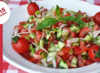 Kolay Salata Yapımı - Salata Tarifleri - çoban salata sosu karışık salata tarifi kaşık salata mevsim salata mevsim salata çoban salata farkı